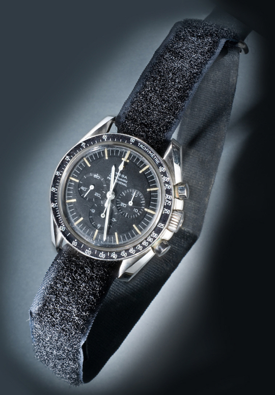 Omega Speedmaster Professional Neil Armstrong 105.012