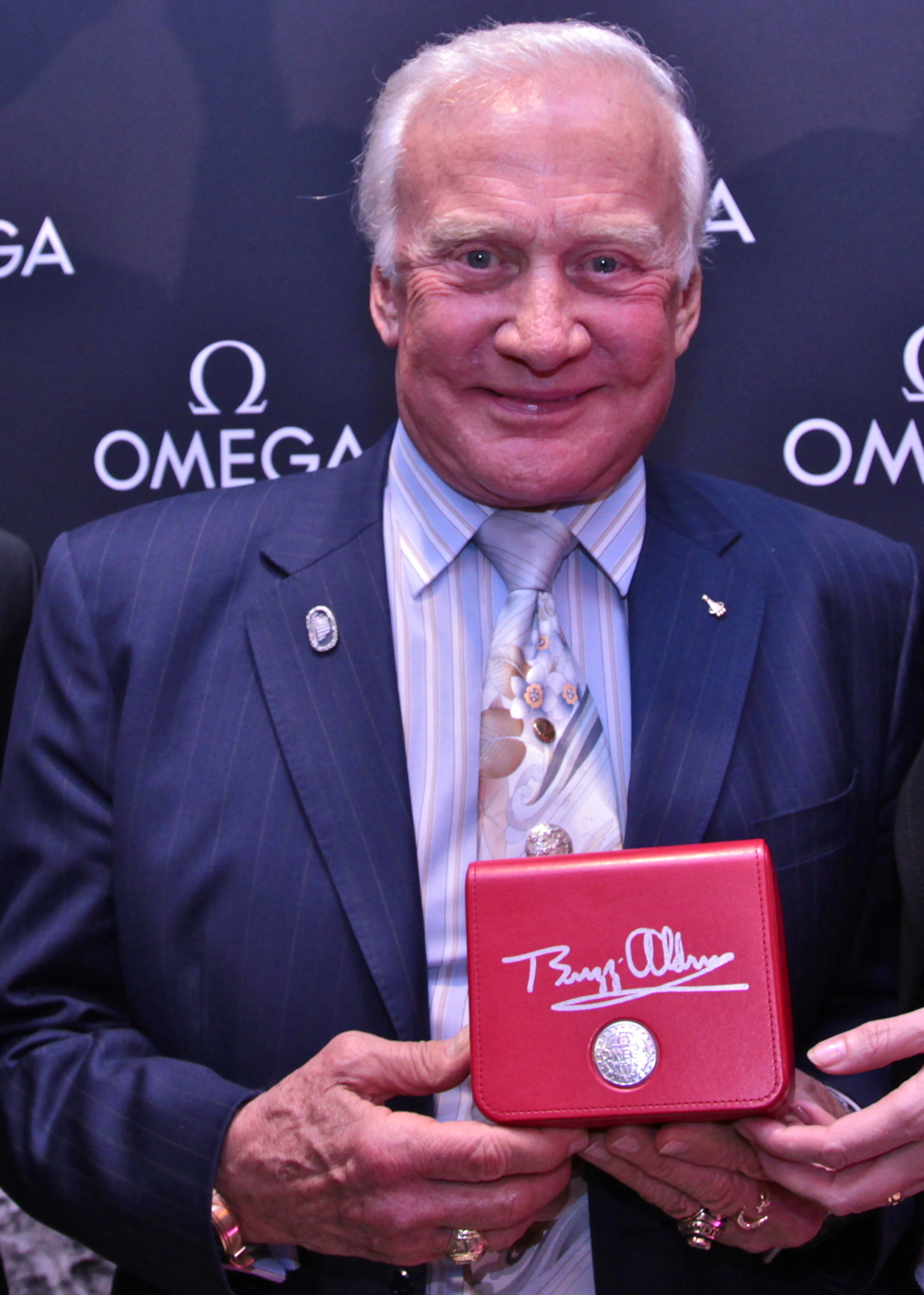Press Release Omega Welcomes Buzz Aldrin To Sydney Speedy Watches