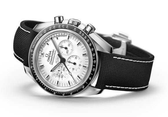 Omega Speedmaster Professional 311.32.42.30.04.003 Apollo 13 Silver Snoopy Award